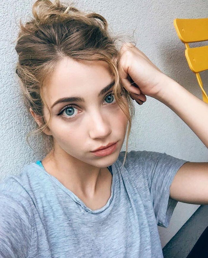 Pretty Emily Rudd: Bringing You The Best Entertainment